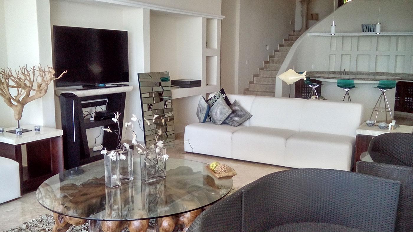 Proyectos SPAD Constructora, Punta Burro, Sala barra y escaleras decoración, Diseño de Interiores, Arquitectura, Puerto Vallarta, Jalisco, México