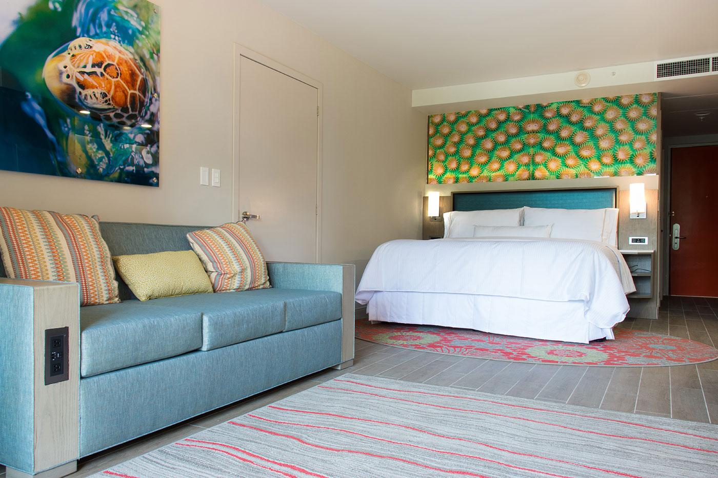 Proyectos SPAD Constructora, Remodelación de habitaciones Westin, Sillon y cama decoración, Diseño de Interiores, Arquitectura, Puerto Vallarta, Jalisco, México