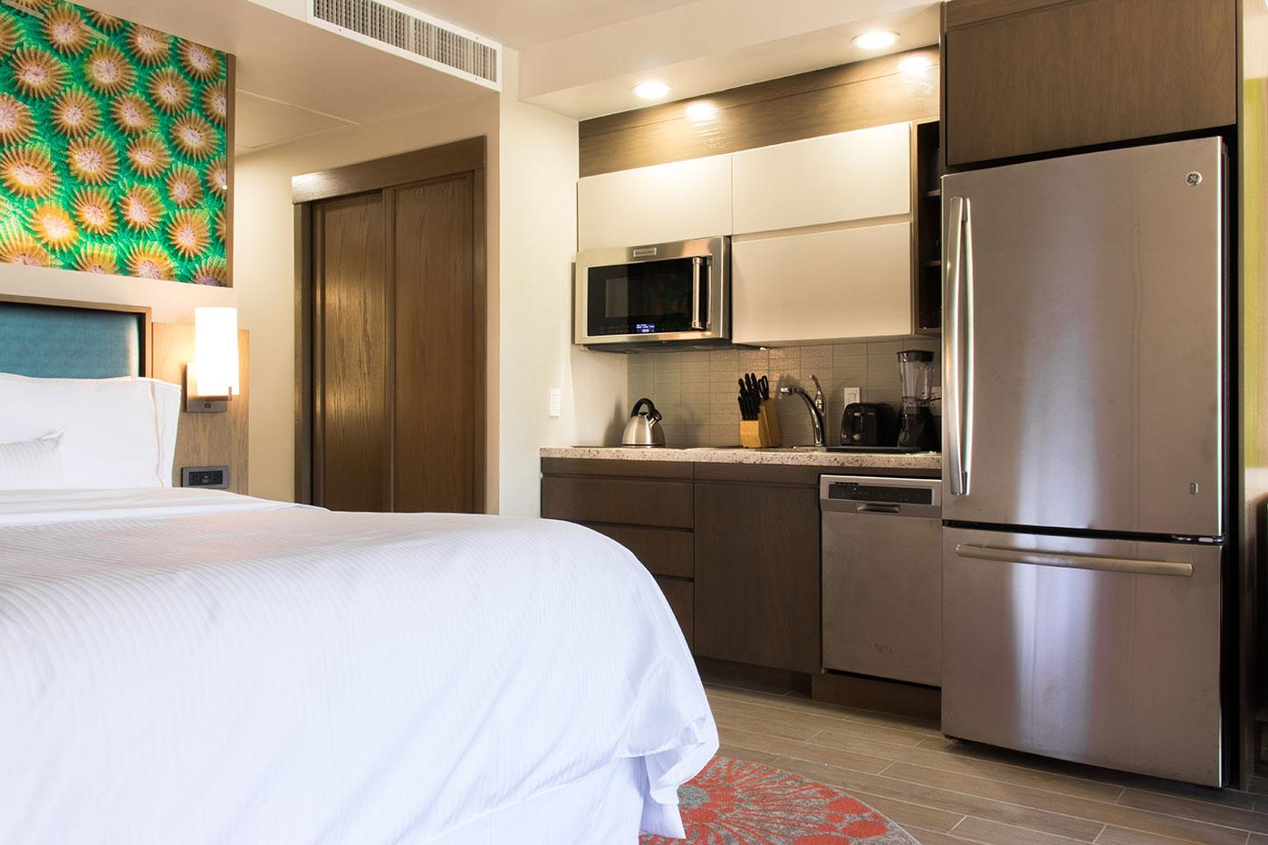 Proyectos SPAD Constructora, Remodelación de habitaciones Westin, Cama y cocina decoración, Diseño de Interiores, Arquitectura, Puerto Vallarta, Jalisco, México